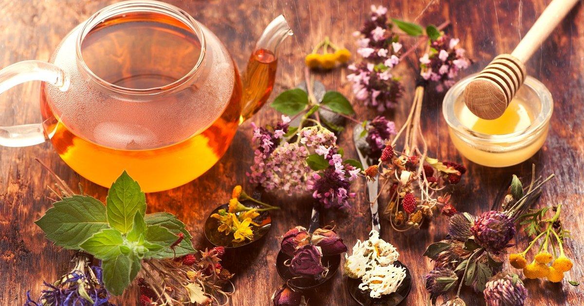Чай из трав с добавлением меда от болезненных менструации